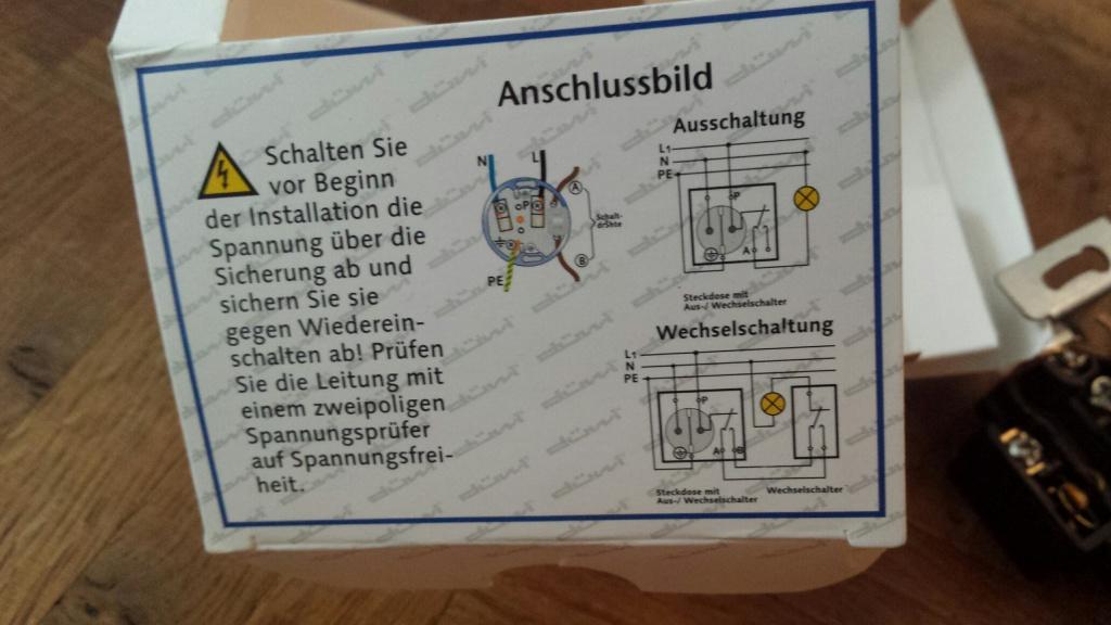 Steckdose mit Lichtschalter - Installation