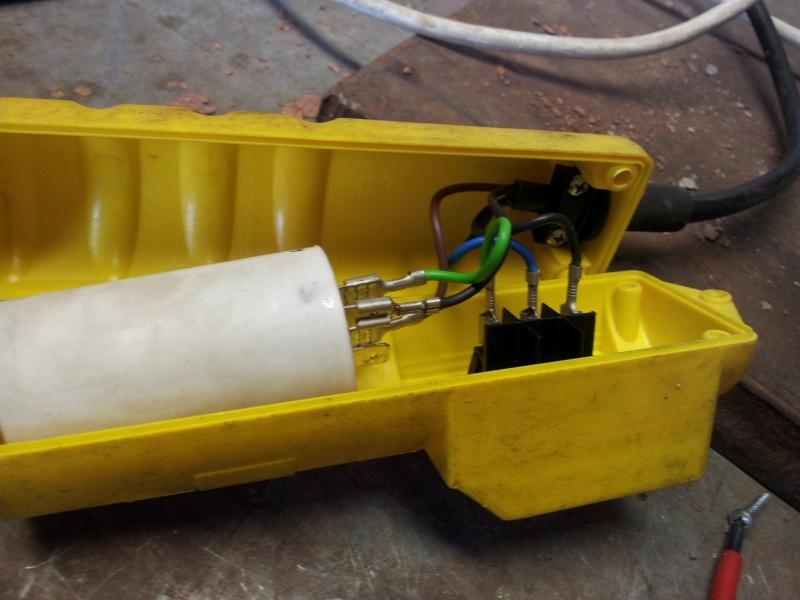 elektrischer Seilzug defekt; Kondensatormotor