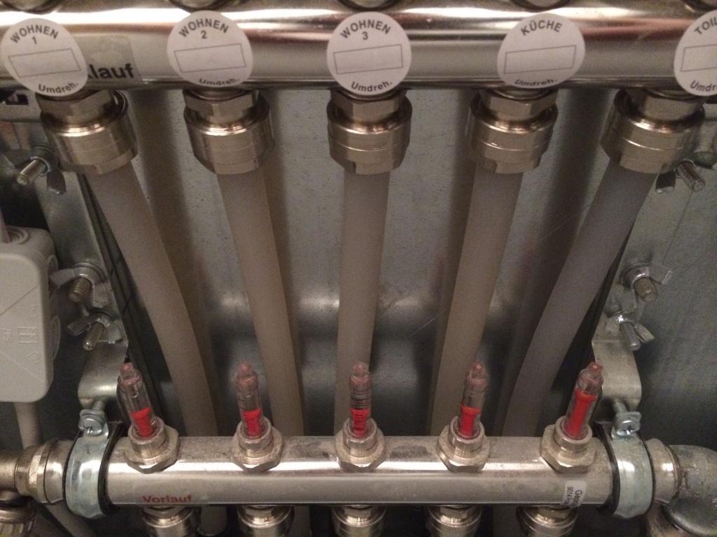 Fussbodenheizung ein Raum bleibt kalt/ Thermostat falsch ...