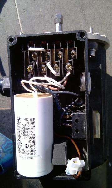 230V Motor Drehrichtung ändern?