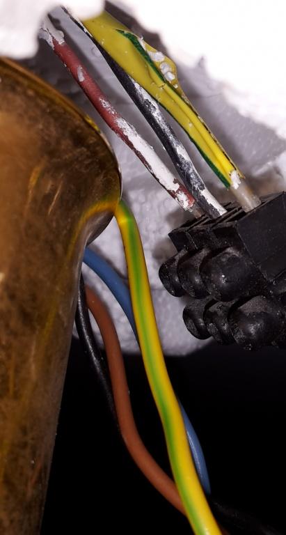 Deckenleuchte Anschließen Zuviele Kabel