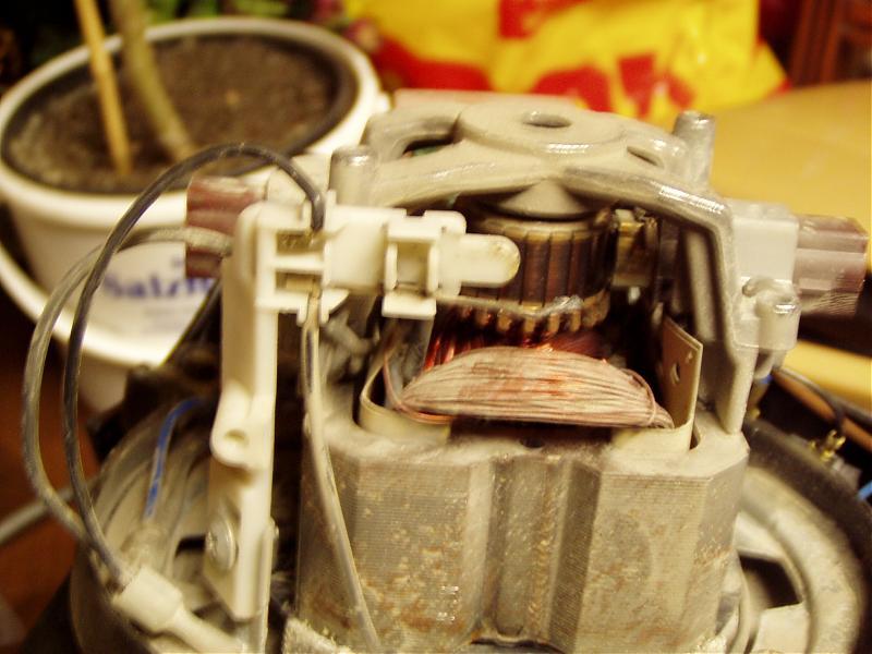 Miele Sauger 231i Schaltplan oder welcher Kondensator?