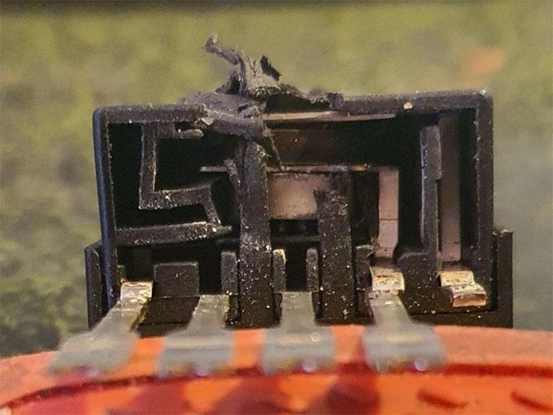 Redline M12-1 Drehschalter von unten.jpg
