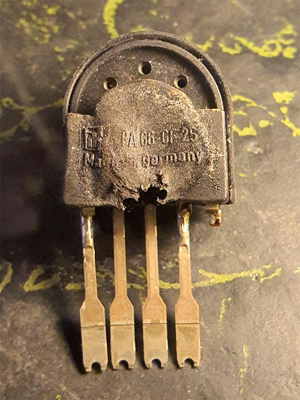 Schalter aus Redline M10-1.jpg